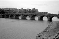 angers-49-vue-amont-du-pont-de-verdun-en-1995.jpg