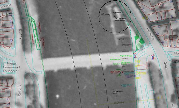 superposition-des-localisations-de-ferrures-sur-la-photo-aerienne-de-1943-presentant-le-pont-de-nemours-avec-le-ponton-en-amont.jpg